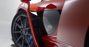 New bespoke tires developed by Pirelli for McLaren Senna