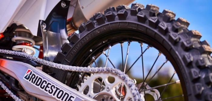 Bridgestone combines new technologies in Battlecross X31 motocross tire